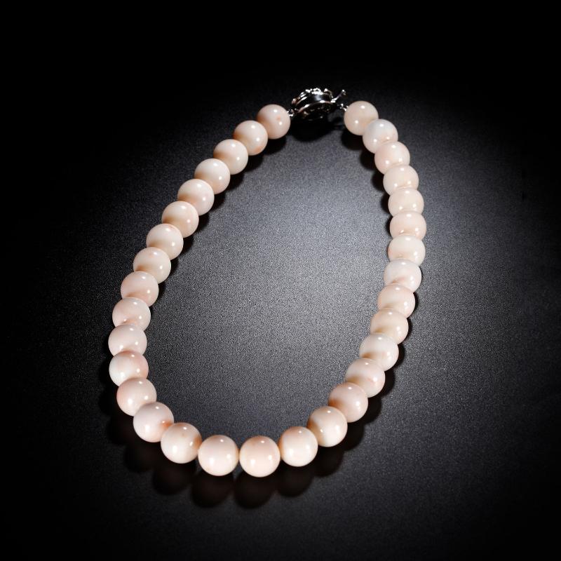 19世纪 宝石级白珊瑚圆珠项链